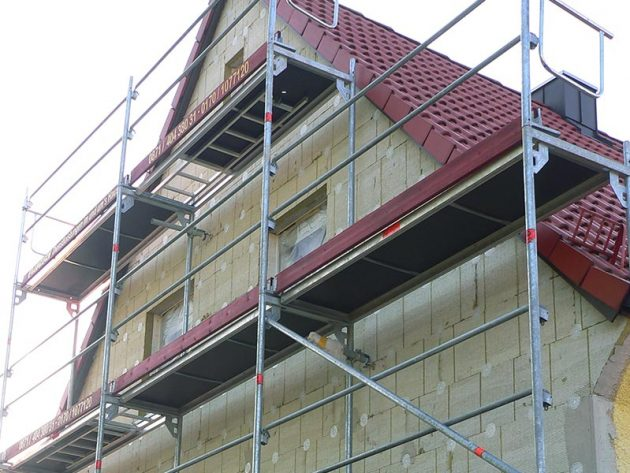Gerüst zur Sanierung einer Fassade